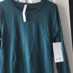 Women's swiftly tech LS Lululemon shirt